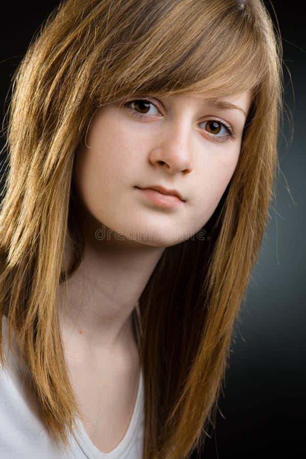Nahaufnahmeportrait des jugendlich Mädchens stockfoto