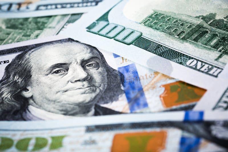 Nahaufnahmeschüsse in der Makrolinse einige hundert Dollar Banknote lizenzfreies stockfoto