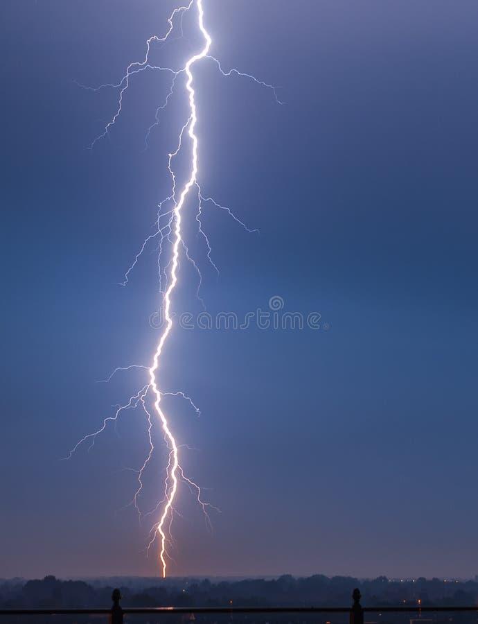 Nahe Blitzschlag stockbilder