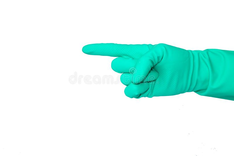 Nahe hohe Ansicht der menschlichen Hand mit dem Gummihandschuh, der die Weise, lokalisiert auf weißem Hintergrund zeigt lizenzfreies stockbild