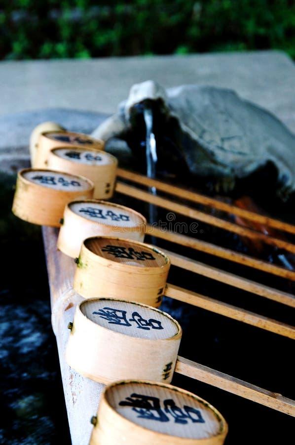 Nahes hohes Bild einiger Bambusschöpflöffel an Izanagi-Schrein, Japan lizenzfreies stockfoto