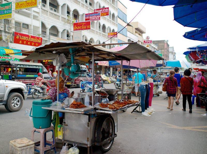 Nahrungsmittel einer Straßenverkäuferstraße in Hatyai, Thailand stockfotografie