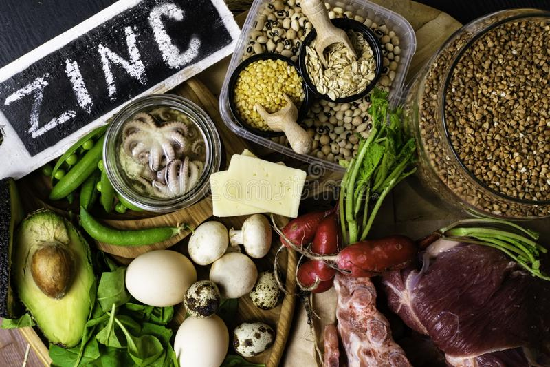 Nahrungsmittel hoch in der Draufsicht Zink HINTERGRUNDES stockbild