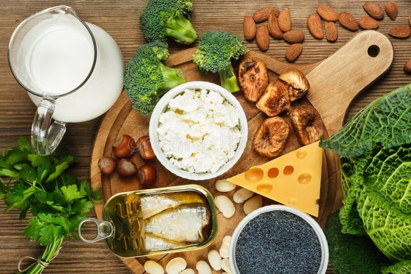 Nahrungsmittel reich im Kalzium stockfotografie