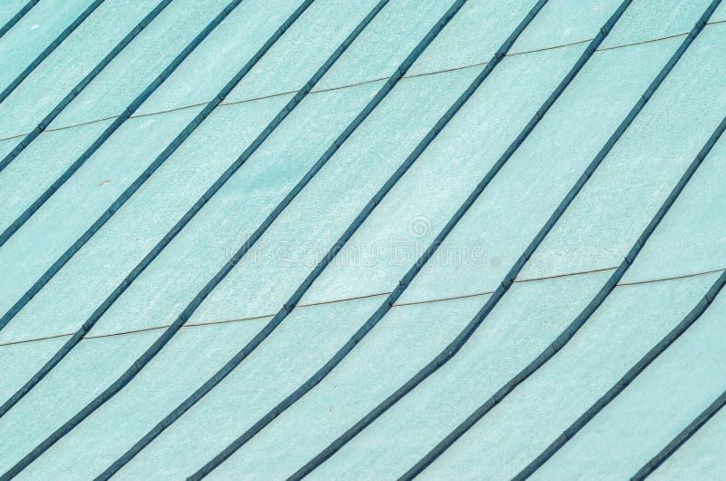 Naht-Dach-Abdeckung von galvanisiertem Stahl lizenzfreie stockbilder