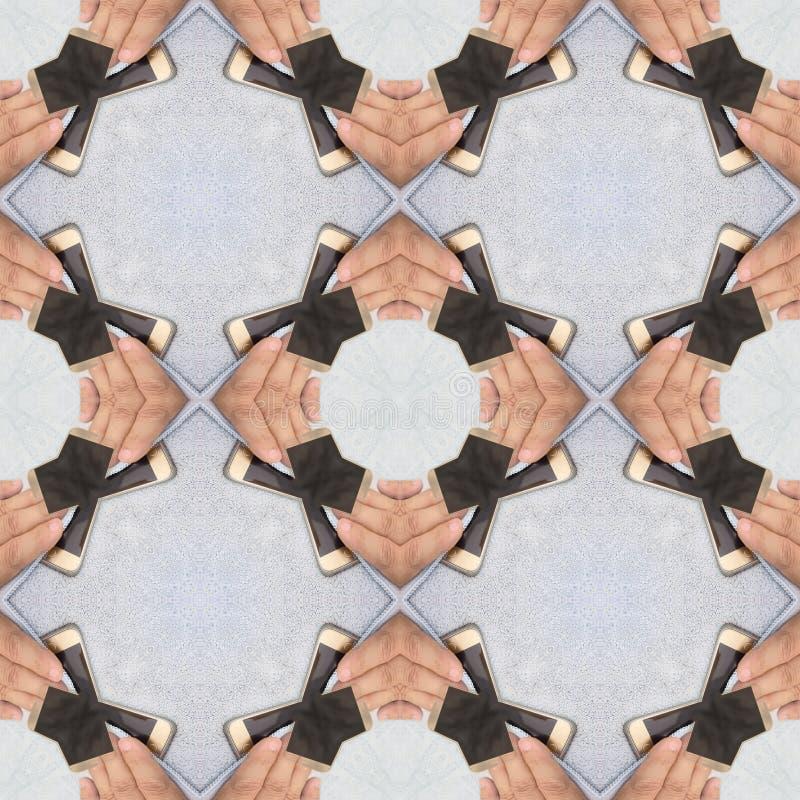 Nahtloser Smartphone, der schmutzigen Schirm mit blauem microfiber Gewebe, abstraktes Muster säubert lizenzfreies stockfoto