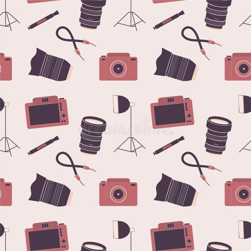 Nahtloses Muster mit Fotokameras, -linsen und -Zubehör lizenzfreie stockfotografie