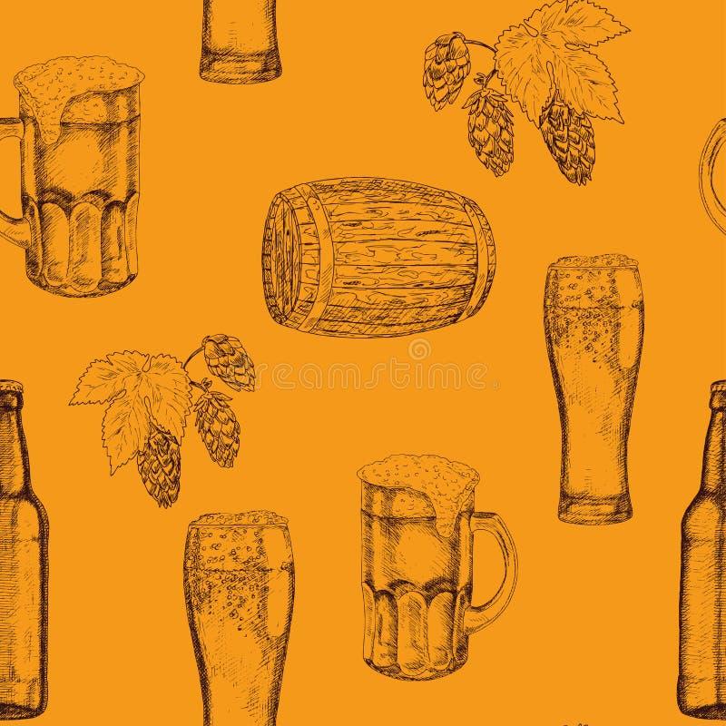 Nahtloses Muster von Biergläsern, von Bechern, von Flaschen, von Hopfen und von Blättern, hölzerne Fässer Hand gezeichnete Abbild stock abbildung