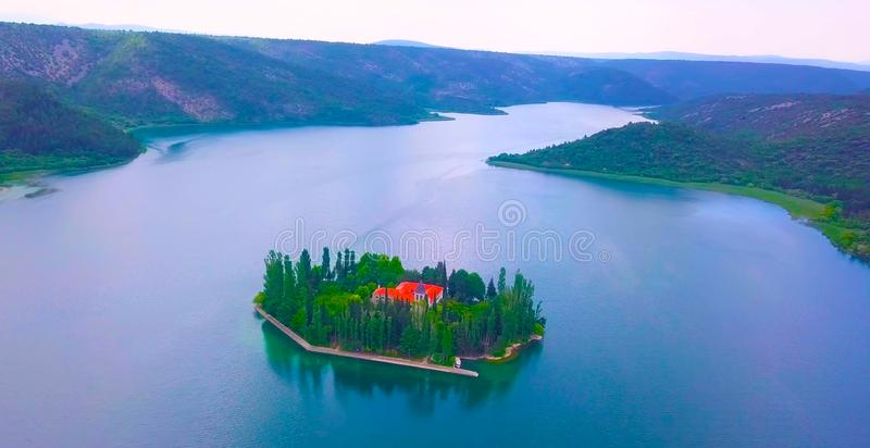 Najbardziej zdumiewające widoki Dubrownika na widok wspinaczki do Imperium Fort Kolorowa scena letnia Chorwacji, Europa zdjęcie royalty free