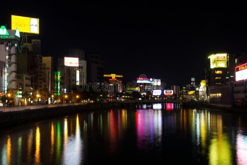 Nakasu夜视图在福冈,日本 免版税库存照片
