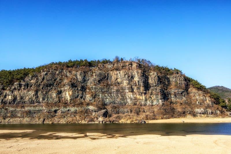 Nakdong rzeka i buyongdae faleza obraz royalty free