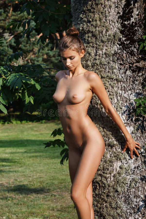 Nature beauty naked girls — photo 9