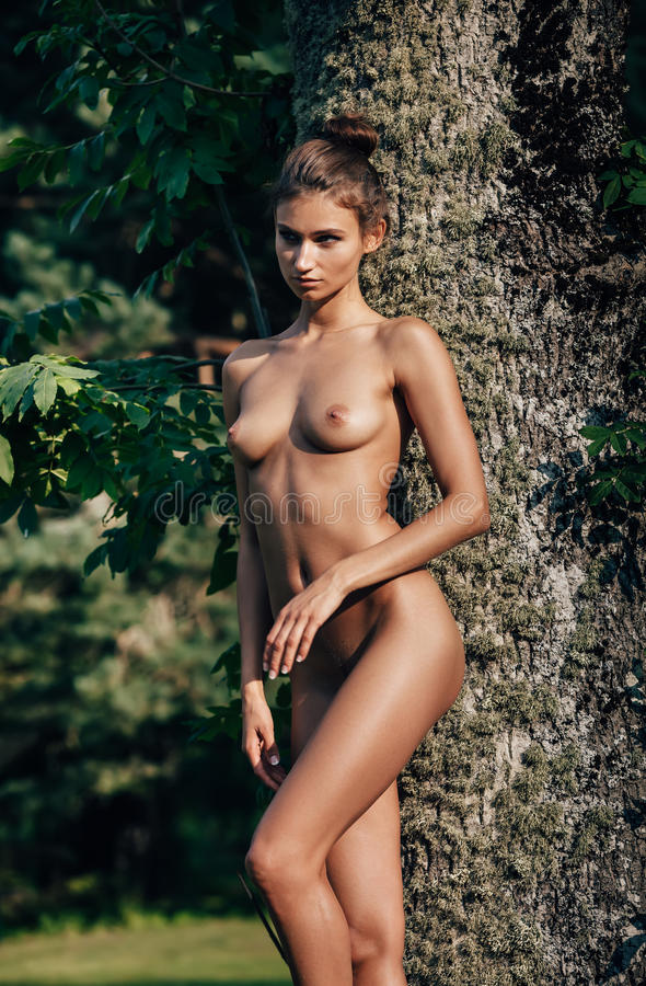 large nude natural boobs