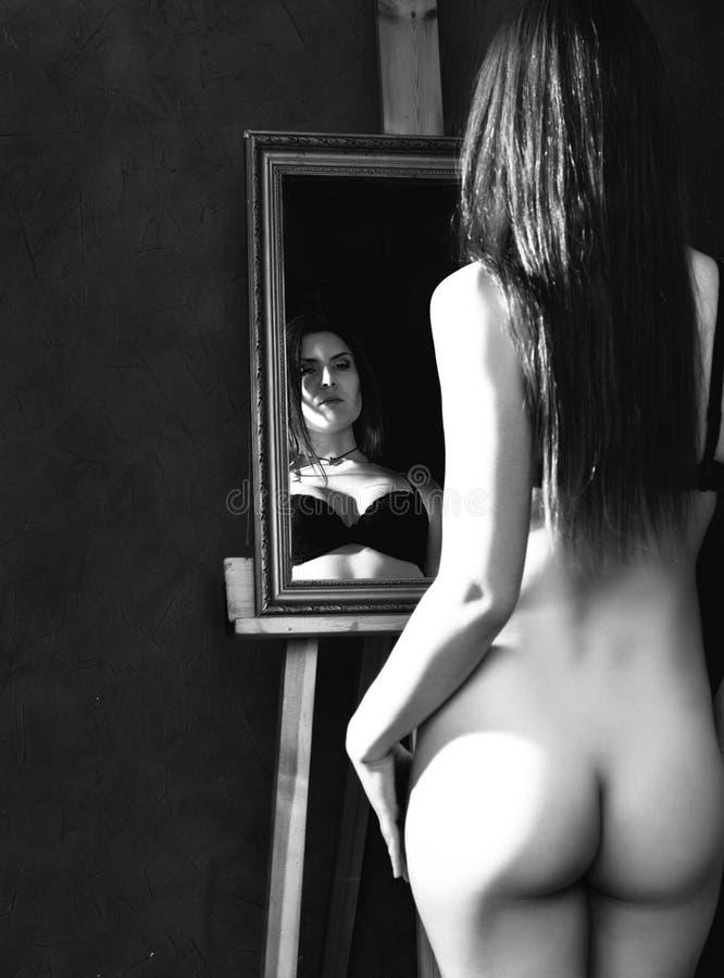 zack-and-dark-black-naked-women