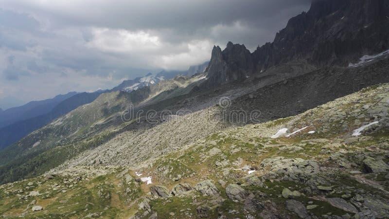 Naken berglutning i den Mont Blanc massiven, Haute-Savoie, Frankrike, Europa royaltyfria foton