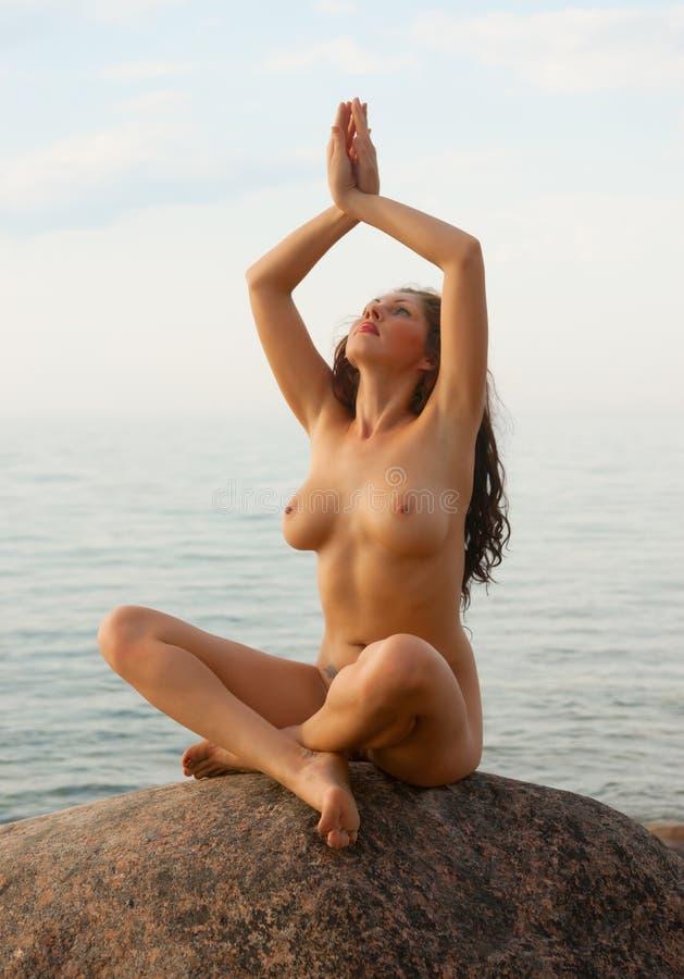 Nackt Seilspringen
