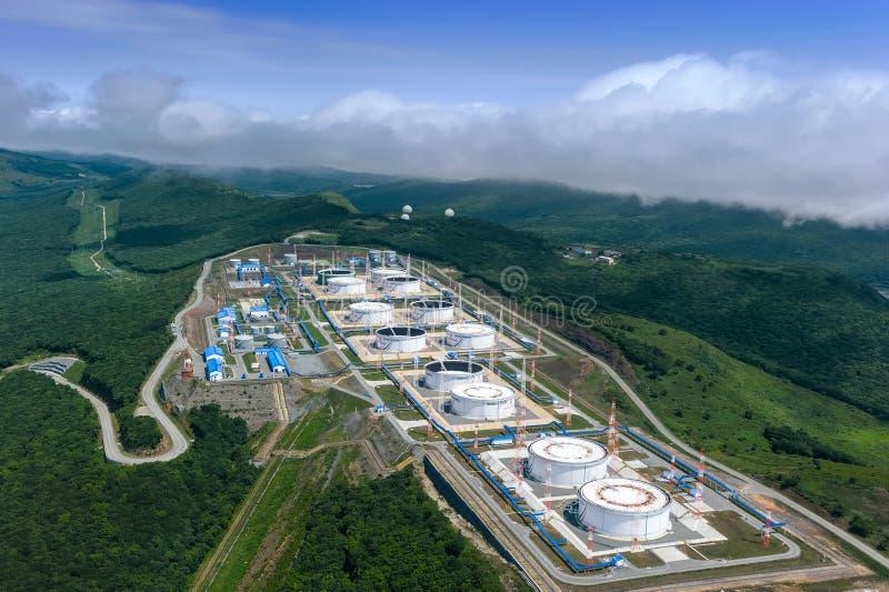 Nakhodka, Rússia - 5 de julho de 2019: Central de petróleo da empresa Transneft imagens de stock royalty free