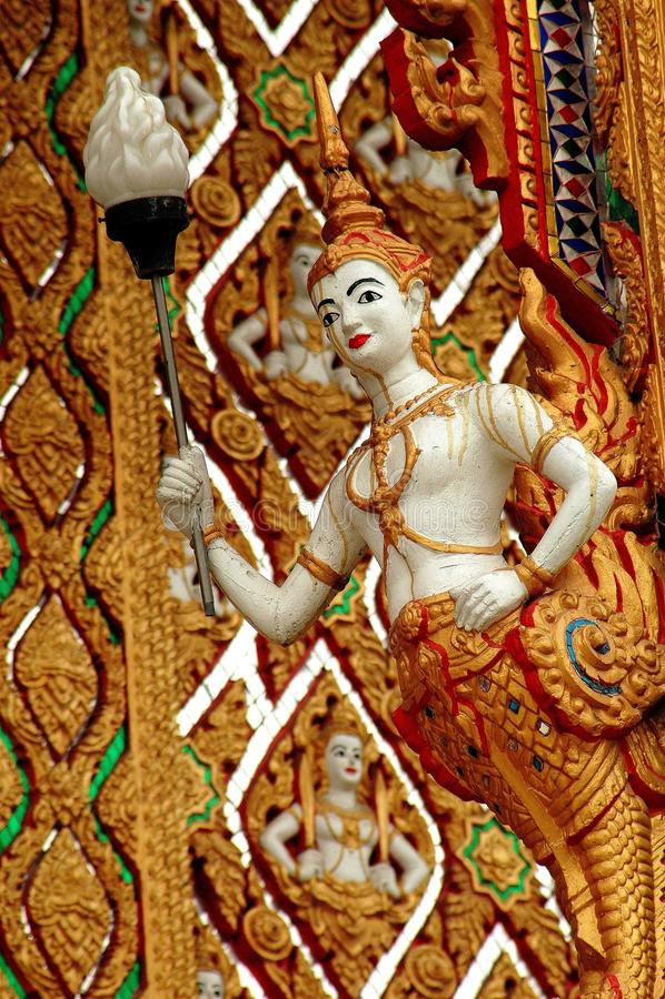 Nakhon, Pathom, Tailandia: Aponsi en Wat Dai Lom fotografía de archivo