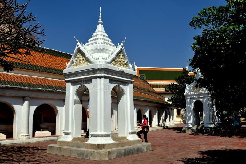 Nakhon Pathom, Tailandia: Wat Phra Pathom Chedi fotos de archivo