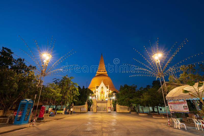 Nakhon Pathom Tajlandia, Feb, - 23, 2019: Phra Pathom Chedi jest stupą w Tajlandia Stupa poganin jest pierwszy, stary, wysoki, i zdjęcia stock