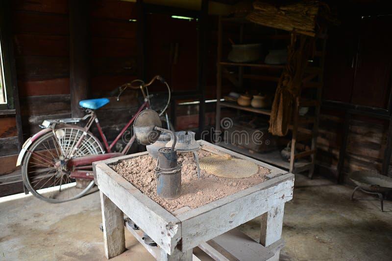 Nakhon Phanom Tajlandia, Aug, - 11, 2018: Goście słucha Ho Chi Minh pomnika dom fotografia royalty free