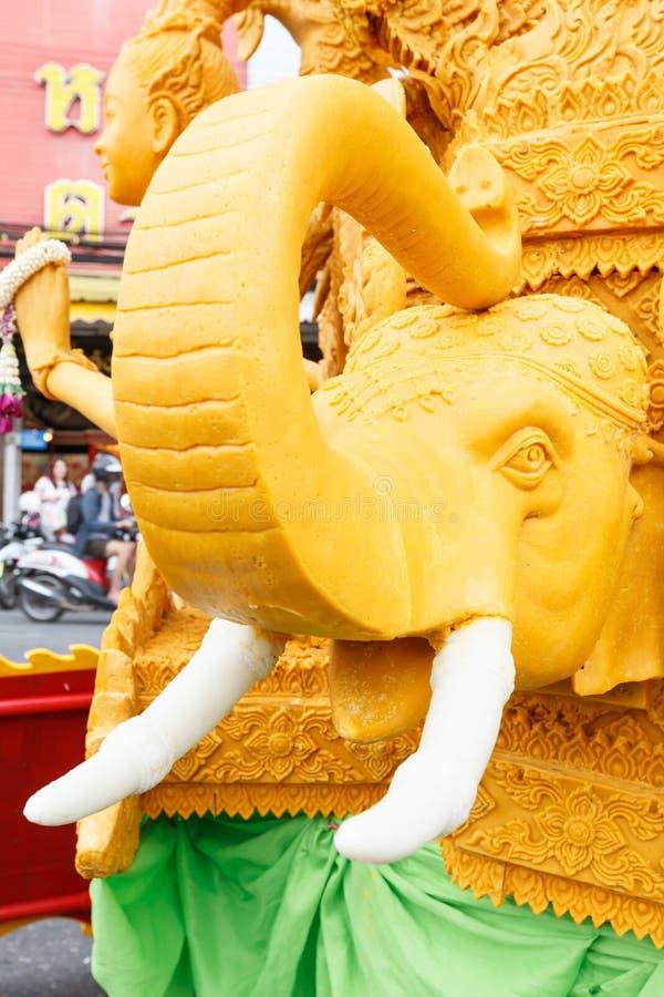 NAKHON RATCHASIMA, ТАИЛАНД - 11-ОЕ ИЮЛЯ: Традиционная свеча p стоковые изображения rf
