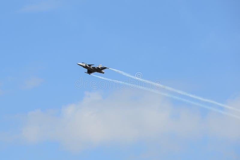NAKHON RATCHASIMA 27 NOVEMBER: De vertoning van gedeelde kunstvliegen stock foto