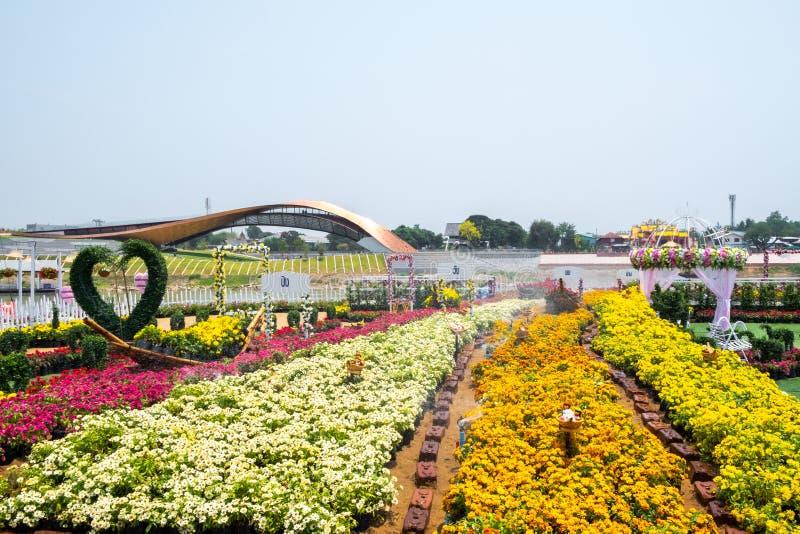 Nakhon Sawan, Tailandia - 12 de abril de 2019: Vista de Pasan, el edificio conmemorativo para el origen de Chao Phraya River en N fotografía de archivo libre de regalías