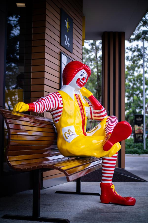 Nakhonpathom/Tailandia - 27 de julio de 2018: Ronald McDonald, una mascota del carácter del payaso del mcdonald imagen de archivo libre de regalías