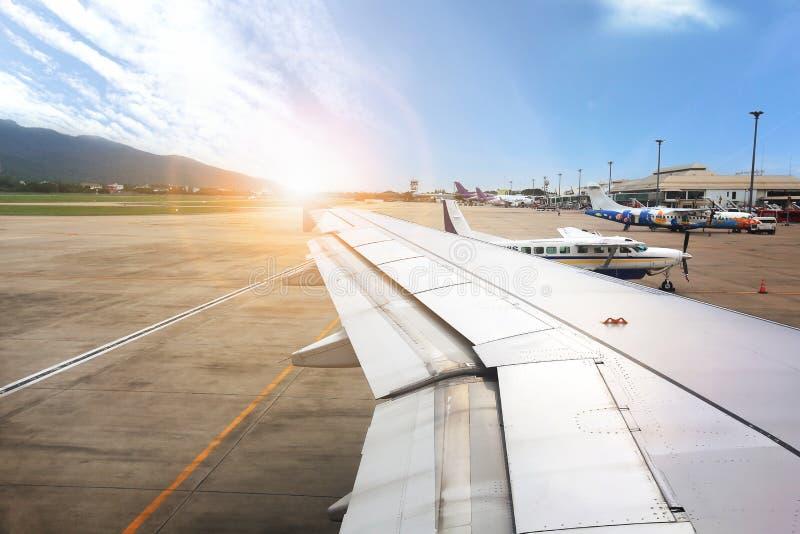 NAKHONRATCHASIMA, THAILAND - MEI 18, 2018: Zonsopgangmening de lucht royalty-vrije stock foto