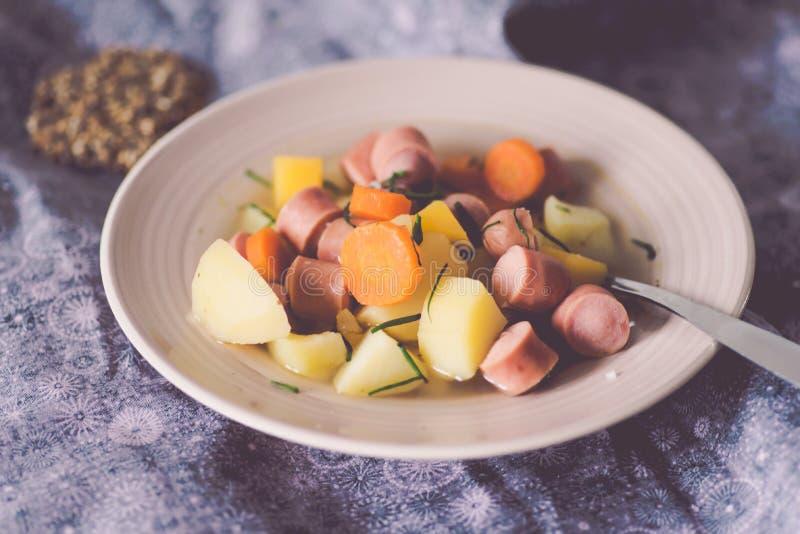 Nakki soppa,从芬兰的香肠汤 免版税库存图片