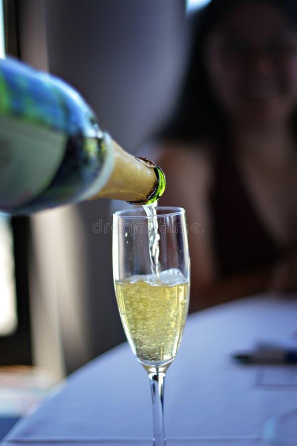 nalej champaign obrazy stock