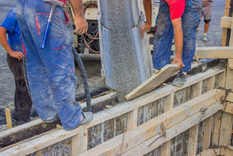 Nalewać beton fotografia stock