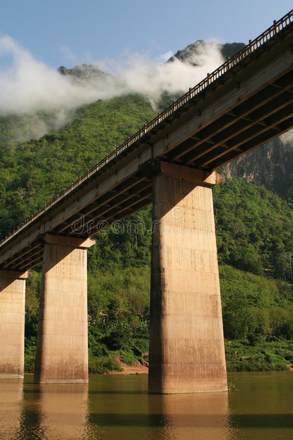 Nam-ou überbrücken an nhong-kiew4 stockfoto