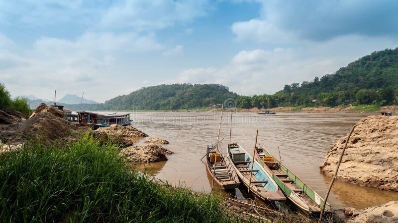 Nam Song River en Laos Paisaje de Vang Vieng imagen de archivo
