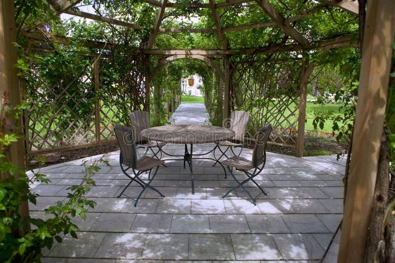Download Nam tuin toe stock afbeelding. Afbeelding bestaande uit kleuren - 54082653