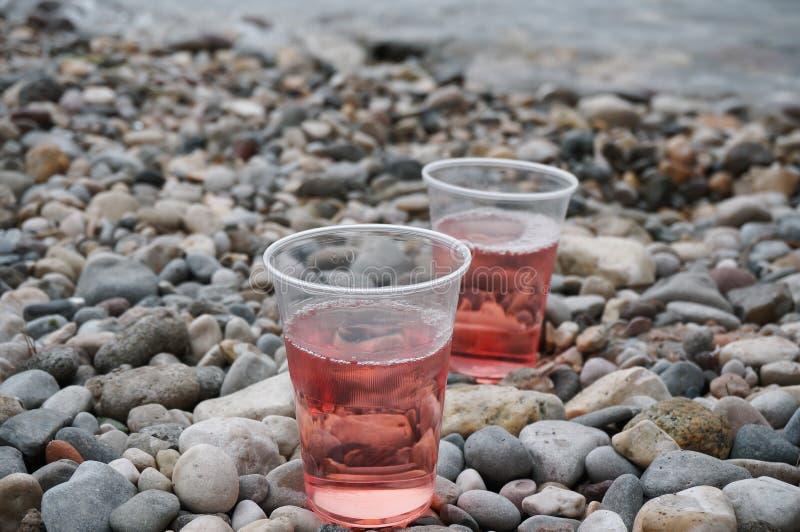 Nam wijn op het strand toe stock fotografie