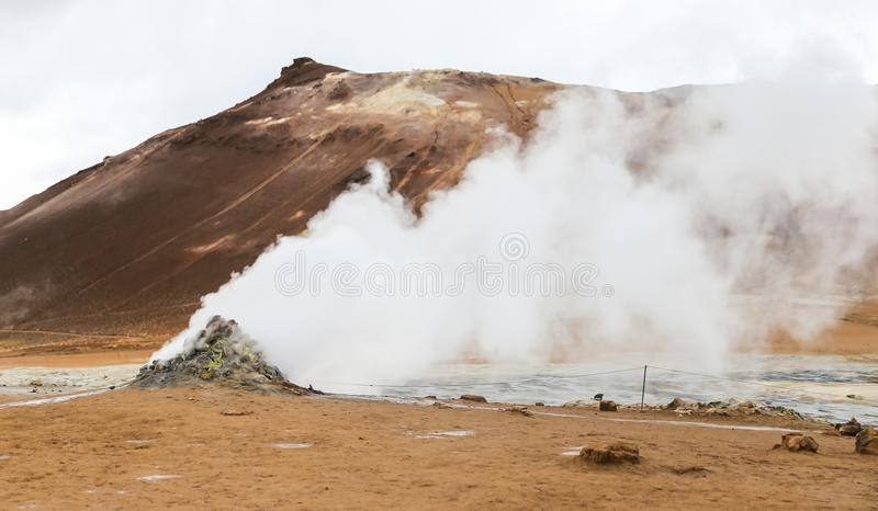 Namafjall geotermiczny teren w Iceland fotografia royalty free