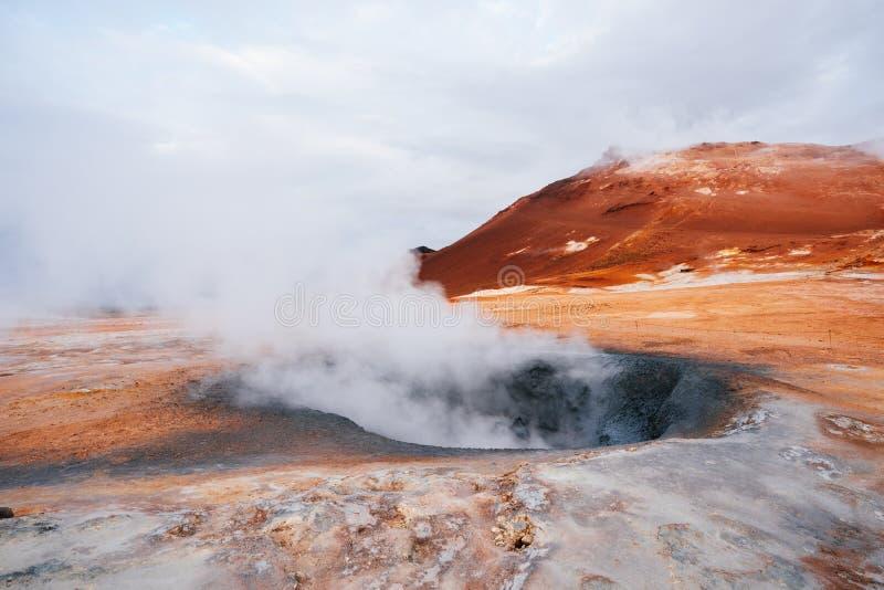 Namafjall - geotermiczny teren w polu Hverir, Iceland obrazy royalty free