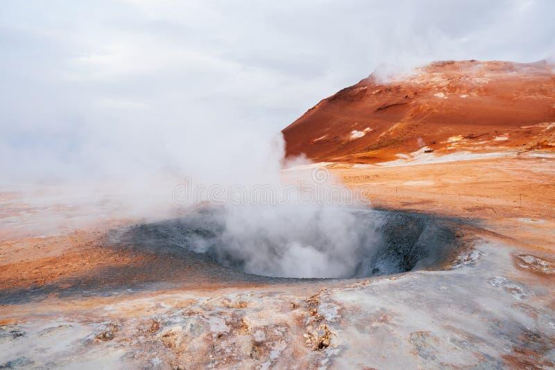 Namafjall - geotermiczny teren w polu Hverir, Iceland fotografia stock