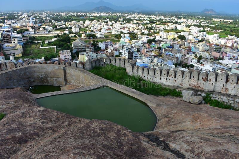 Namakkal, Tamilnadu - India - Oktober 17, 2018: Waterbody bij het Namakkal-fort royalty-vrije stock afbeelding