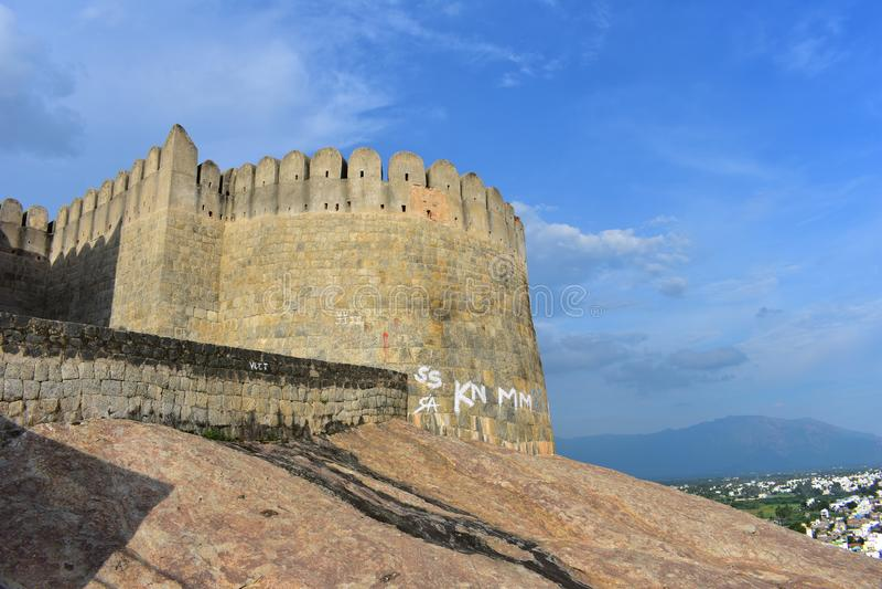 Namakkal, Tamilnadu - la India - 17 de octubre de 2018: Opinión del fuerte y de la ciudad de Namakkal fotografía de archivo