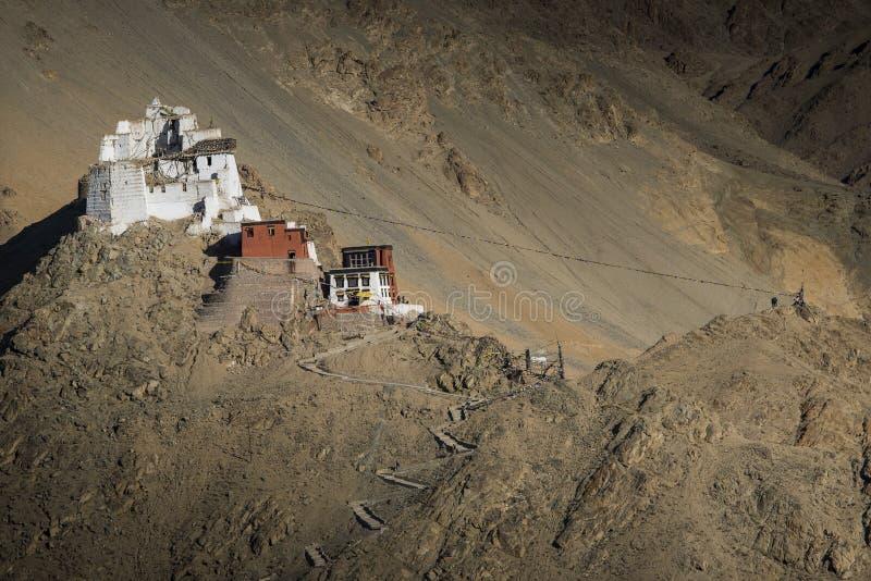 Download Namgyal在日落Leh,拉达克,印度期间的Tsemo Gompa Namgyal在日落Leh,拉达克,印度期间的Tsemo Gompa 库存照片 - 图片 包括有 历史, 的btu: 59108914
