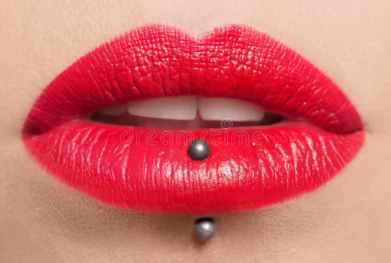Namiętne czerwone wargi, makro- fotografia obraz royalty free