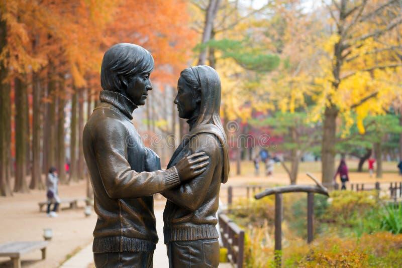 Nami wyspa Południowy Korea, Listopad, - 7, 2017: Tou i statua obraz stock