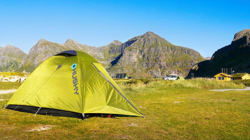 namiot campingowy zdjęcie stock