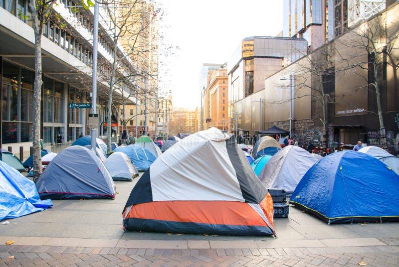 Namiotowy miasto w centrum CBD ` Martin miejsca ` tamte namioty dla ludzi bezdomni fotografia stock