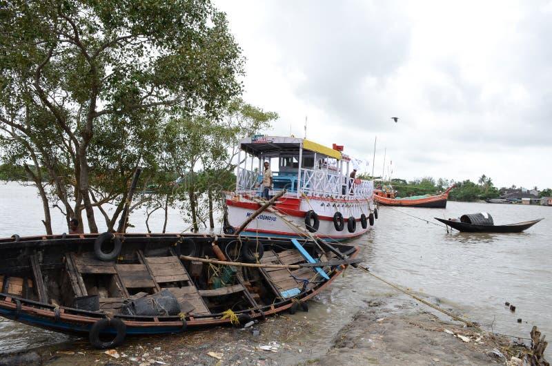 Namkhana-αλιεύοντας χωριό της Ινδίας στοκ εικόνα