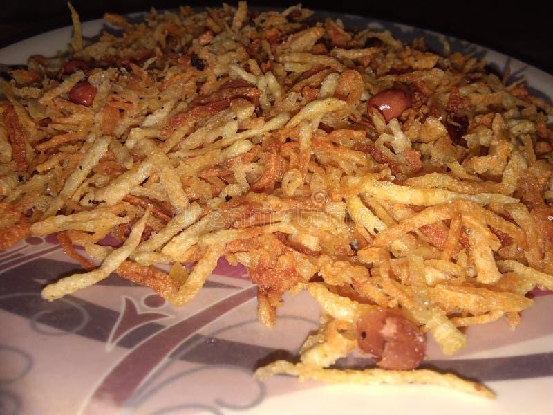 Namkin de pomme de terre Ma première recette délicieuse images stock