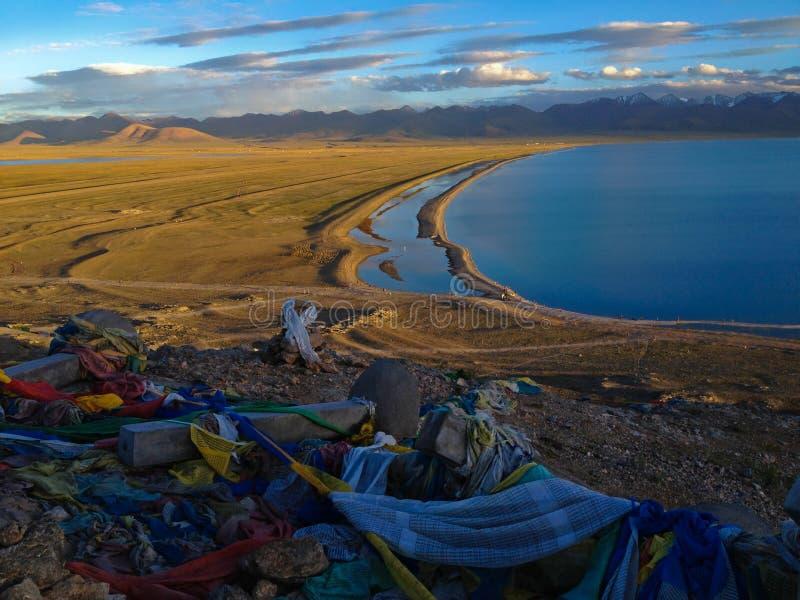 Namtso of het Meer Nam Heavenly Lake zijn een bergmeer op grens tussen Damxung en Baingoin-Provincie in het Autonome Gebied van T royalty-vrije stock afbeelding